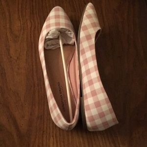 Pink/white checkered flats